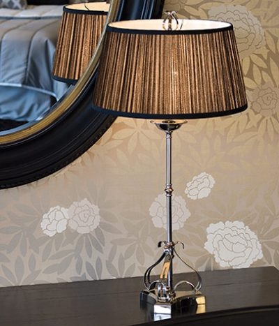 Zoya table lamp black