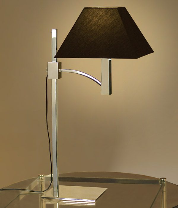 Manhattan table lamp with black linen shade